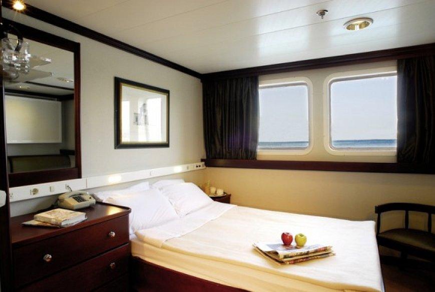 motoryacht pegasus seychellen kreuzfahrt seychellen. Black Bedroom Furniture Sets. Home Design Ideas