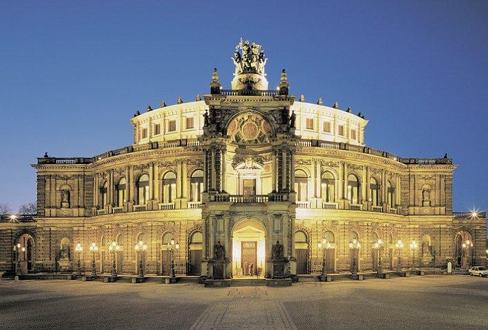 Weihnachtsmarkt Dresden Mit Flug Hotel
