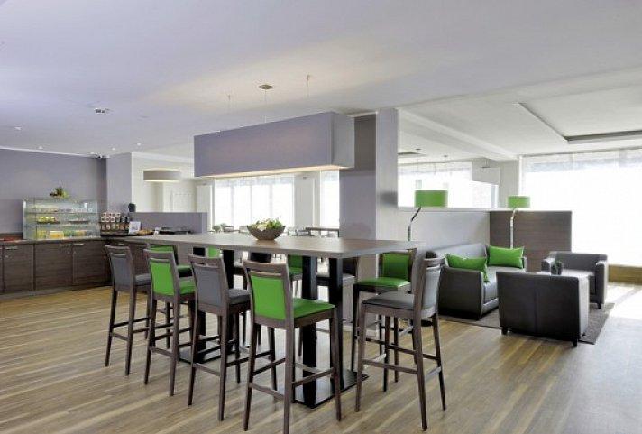 appartello smarttime living hamburg hamburg top. Black Bedroom Furniture Sets. Home Design Ideas