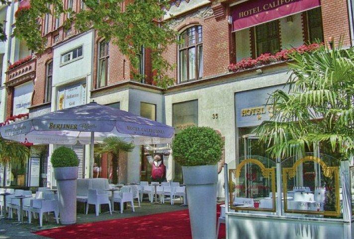 Blue Man Group Berlin Mit Hotel