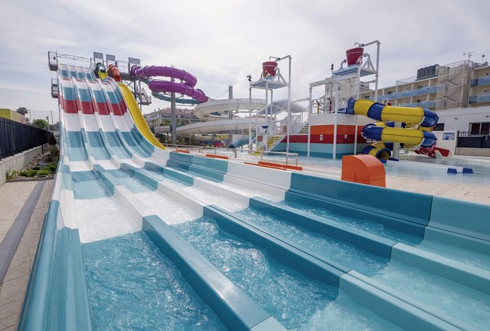 Golden Taurus Aquapark Resort