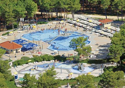 Zaton Holiday Resort & Camp Nin